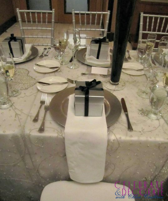 Silver-black-white-winter-wedding
