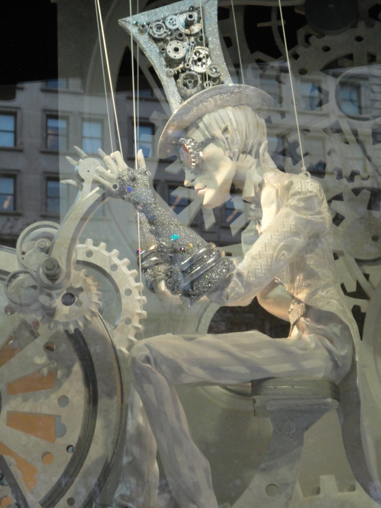 Elton John, Paper, Christmas, Bergdorf Goodmans, Manhattan, New York, Fifth Avenue, Windows,