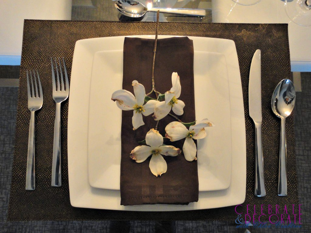 Dogwood and brown tablesetting