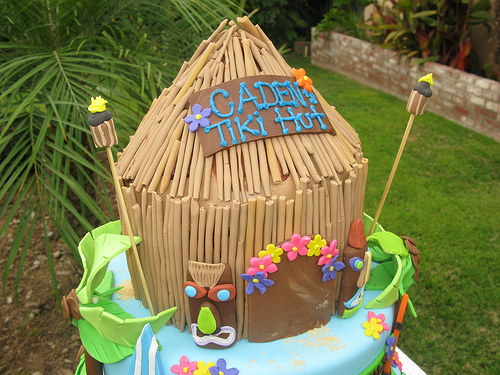 Tiki hut cake for a birthday party