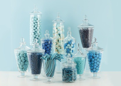Candy buffet in shades of blue for a wedding.