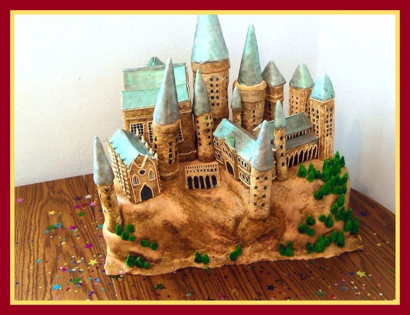 Hogwart's Castle Cake inspired by Harry Potter