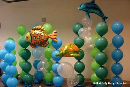 Under the sea party balloon display using rubber and mylar balloons