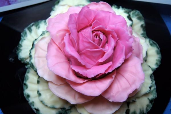 Cabbage flower cupcake
