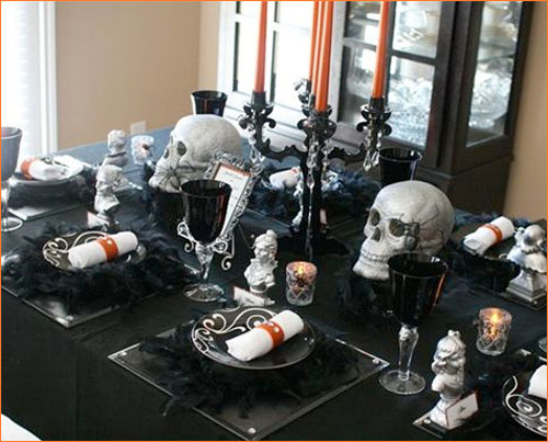 Formal Halloween decoration for a table