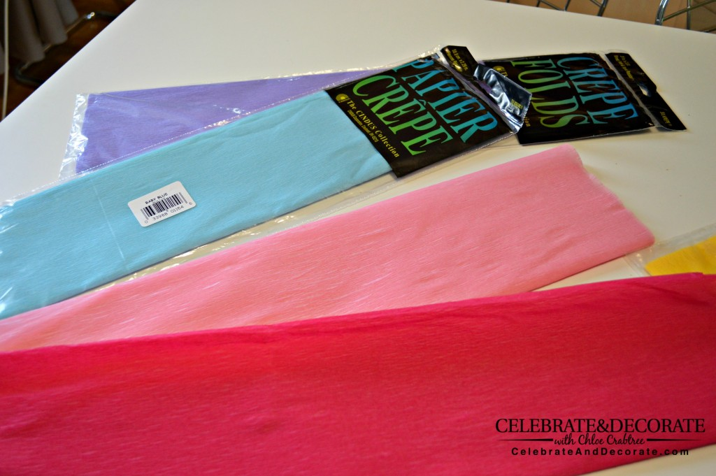 How-to-make-a-crepe-paper-party-backdrop