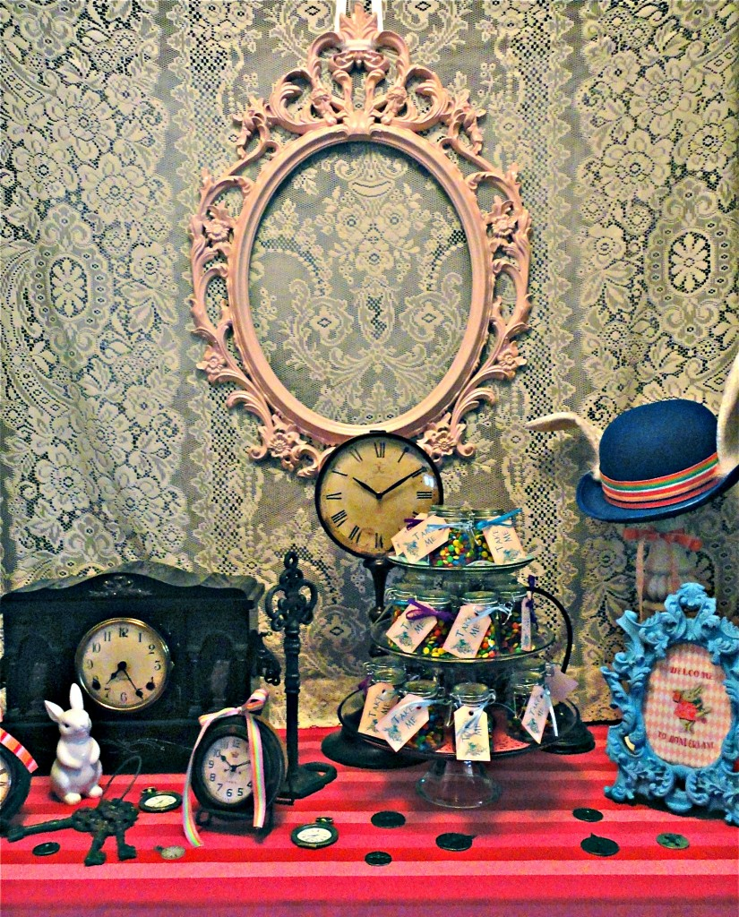 Mad-Hatter-table