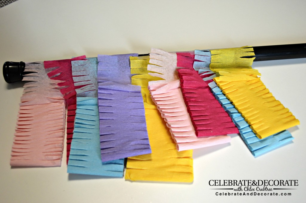 Make-Your-party-backdrop-with-crepe-paper