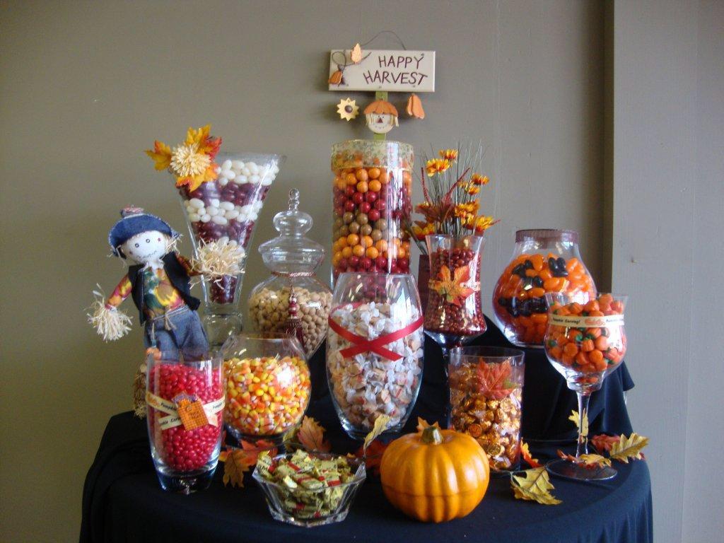 fall themed halloween candy buffet, fall theme candy buffet, fall themed candy bar, Thanksgiving candy buffet