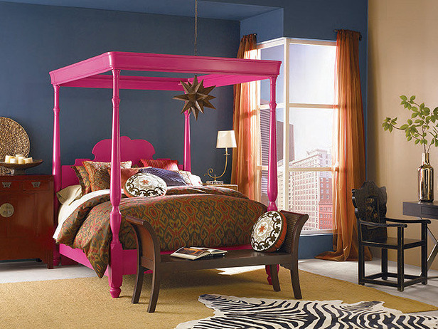 hot pink bed in a glamourous interior