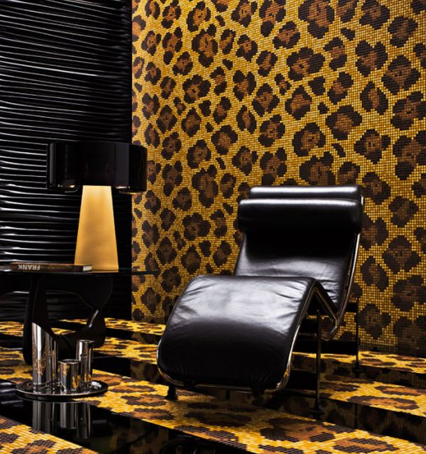 Animal print and corbusier chaise