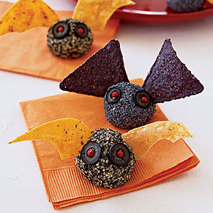 Bat Bites individual cheese ball appetizers for your Halloween Party