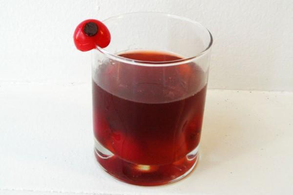 Red Zombie Eye Punch ond other halloween party beverage recipes