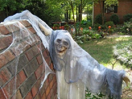 Chloe's Inspiration ~ Outdoor Halloween Decorating | Celebrate and ...