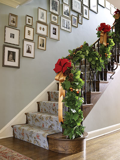 traditional holiday staircase decor