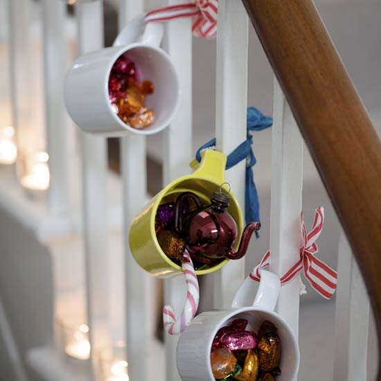 Chloe's Inspiration ~ Christmas Decoration for your Staircase ...