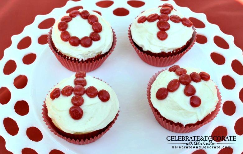 Four valentine cupcakes