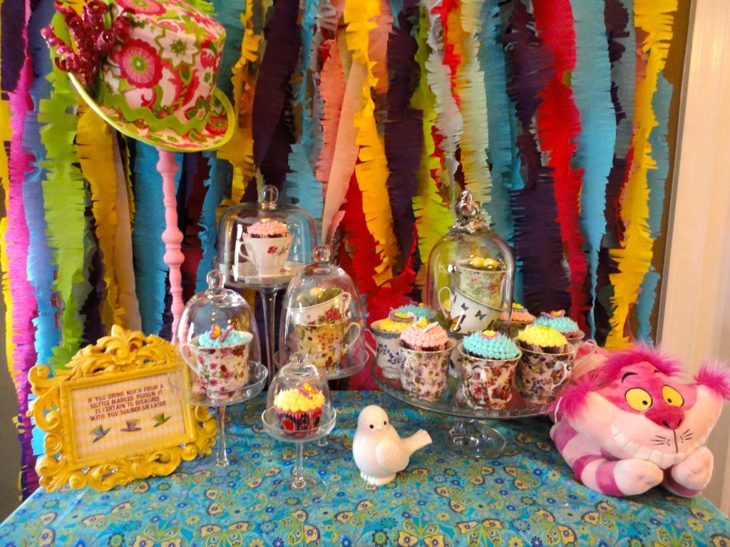 Chloe 39 s celebrations alice in wonderland party photo for Alice in wonderland party decoration ideas