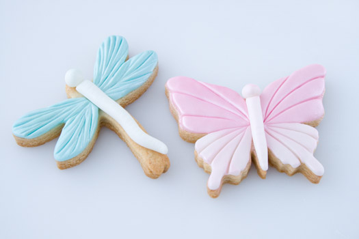 Cookies-with-rolled-fondant
