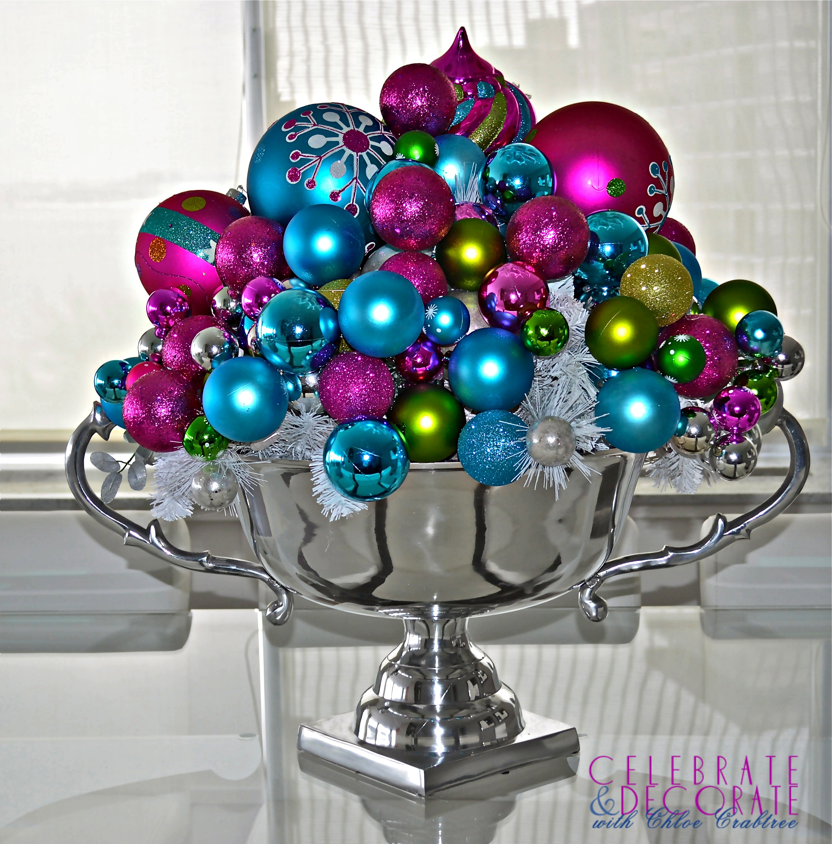 Modern christmas decor - Bright Christmas Centerpiece