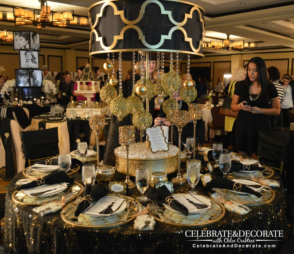 Stunning-black-and-gold-tablescape-at-BASHConf15