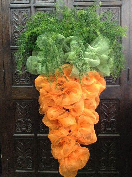 Mesh-Easter-Carrot-Door-hanging