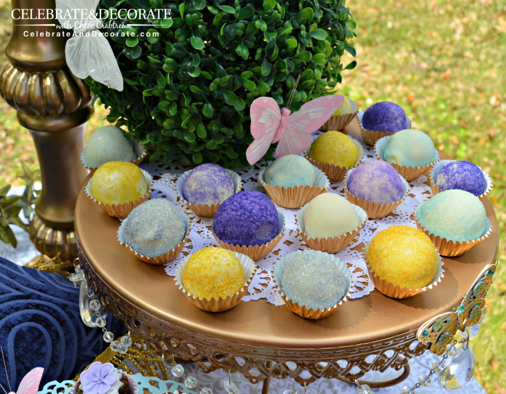 Glittery-cake-balls-for-a-princess-party