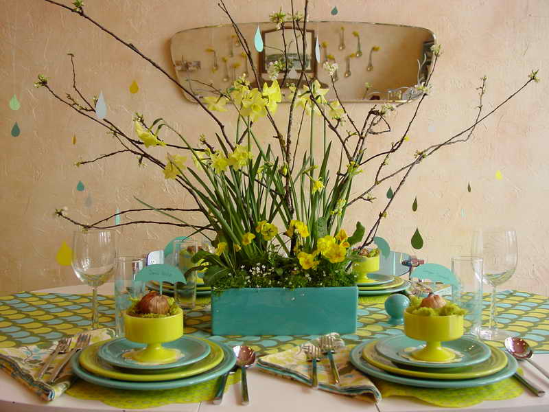 Peaceful-Spring-Tables-Decor