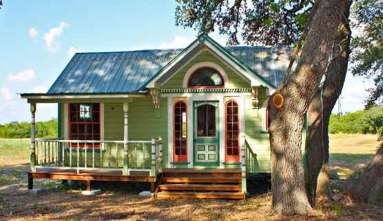 Tiny-Victorian-House