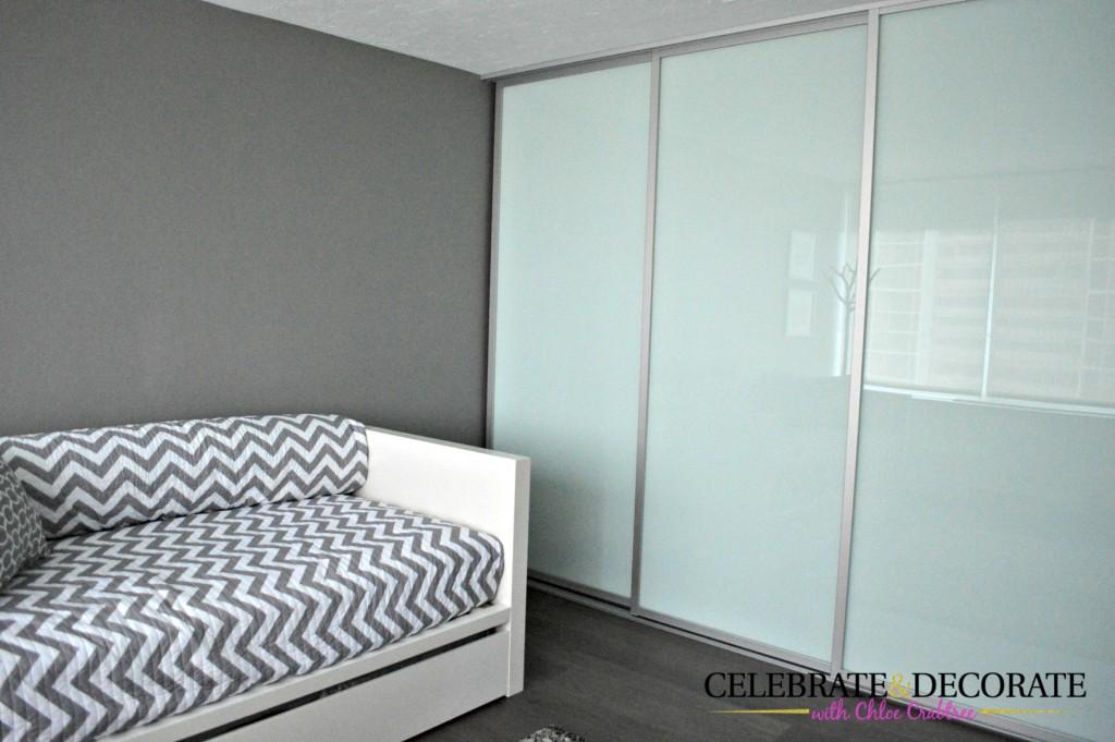 Modern-glass-closet-doors