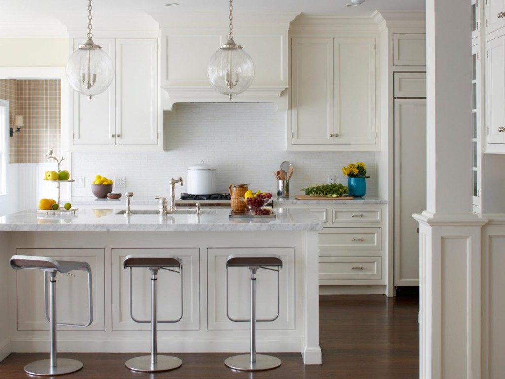 Original_Kitchen-Backsplashes-Lauren-Muse-White-Kitchen_s4x3.jpg.rend.hgtvcom.1280.960
