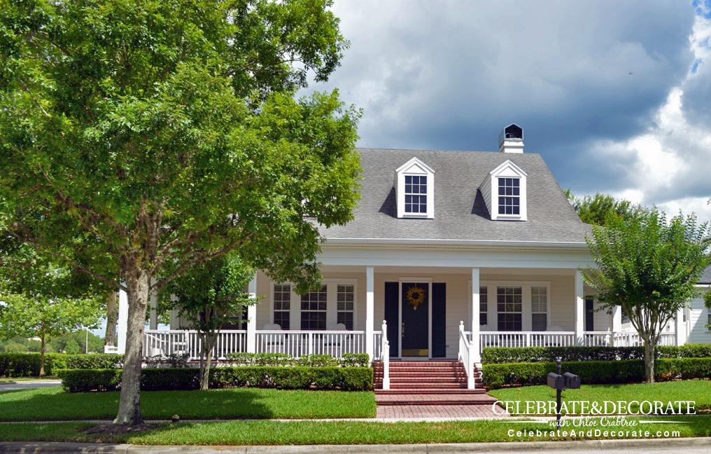 Coastal-home-with-big-front-porch