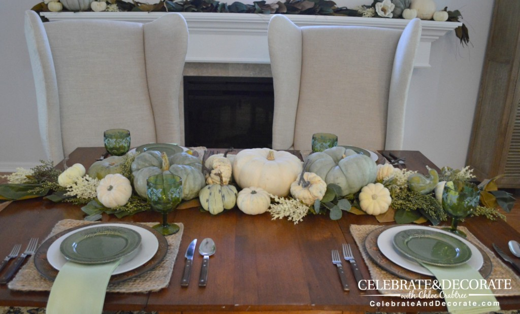 A Simple Thanksgiving Tablescape