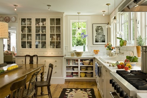 Farmhouse kitchen with some open shelves