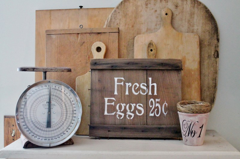vintage-fresh-egg-sign-with-bread-boards