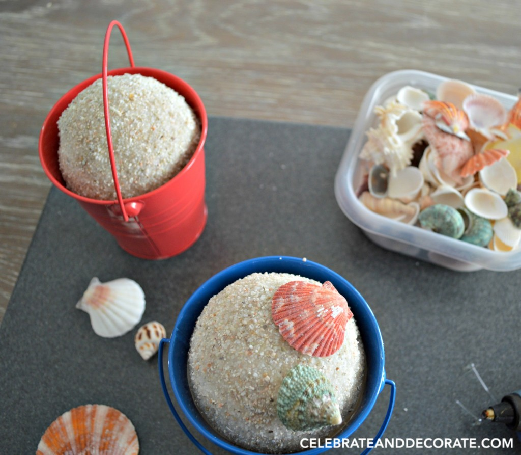 Beach pail sandy bookends