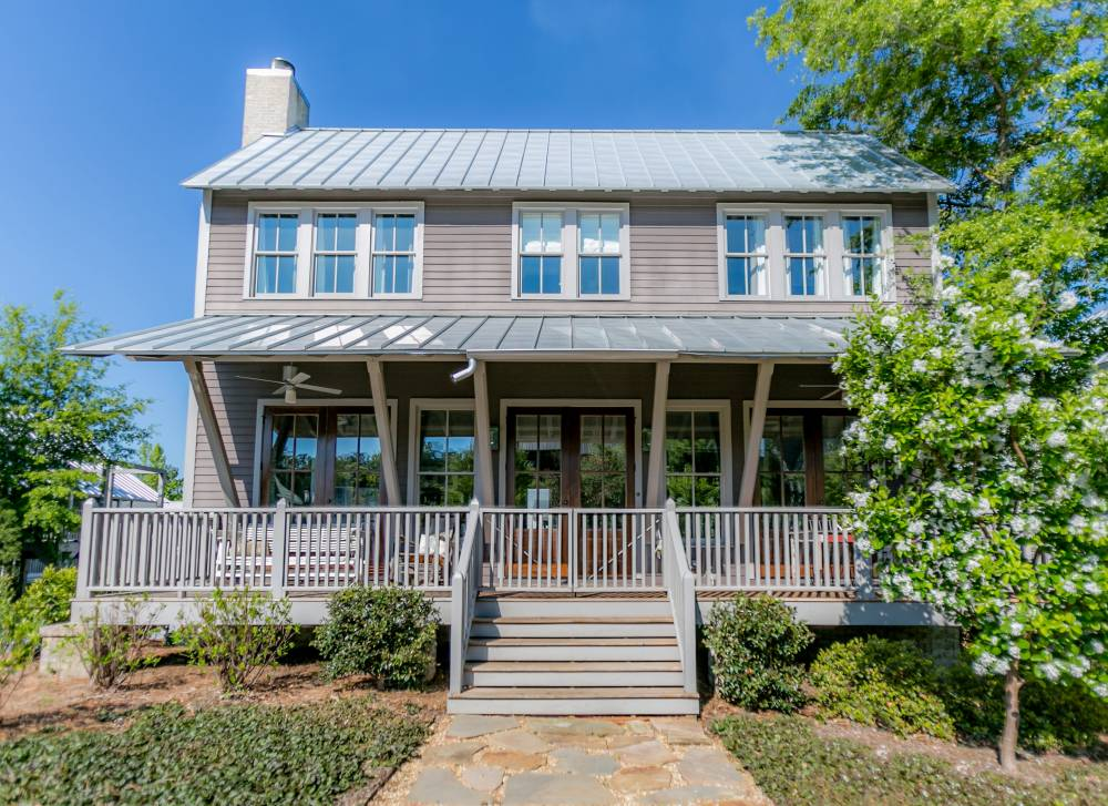 15 dreamy farmhouse porches celebrate decorate Front porch without roof