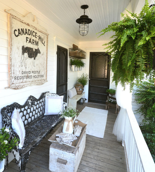 15 Dreamy Farmhouse Porches