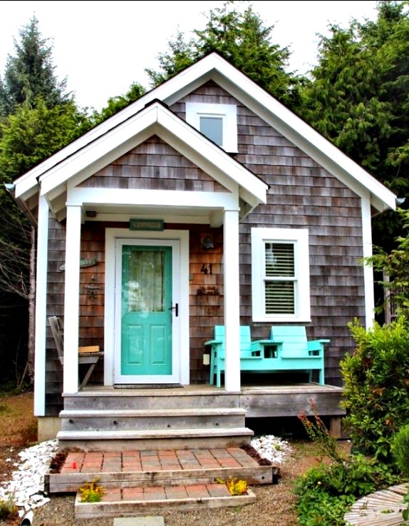 Shingled Coastal Cottage