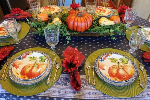 belle-bleu-interiors-pumpkin-tablescape-2