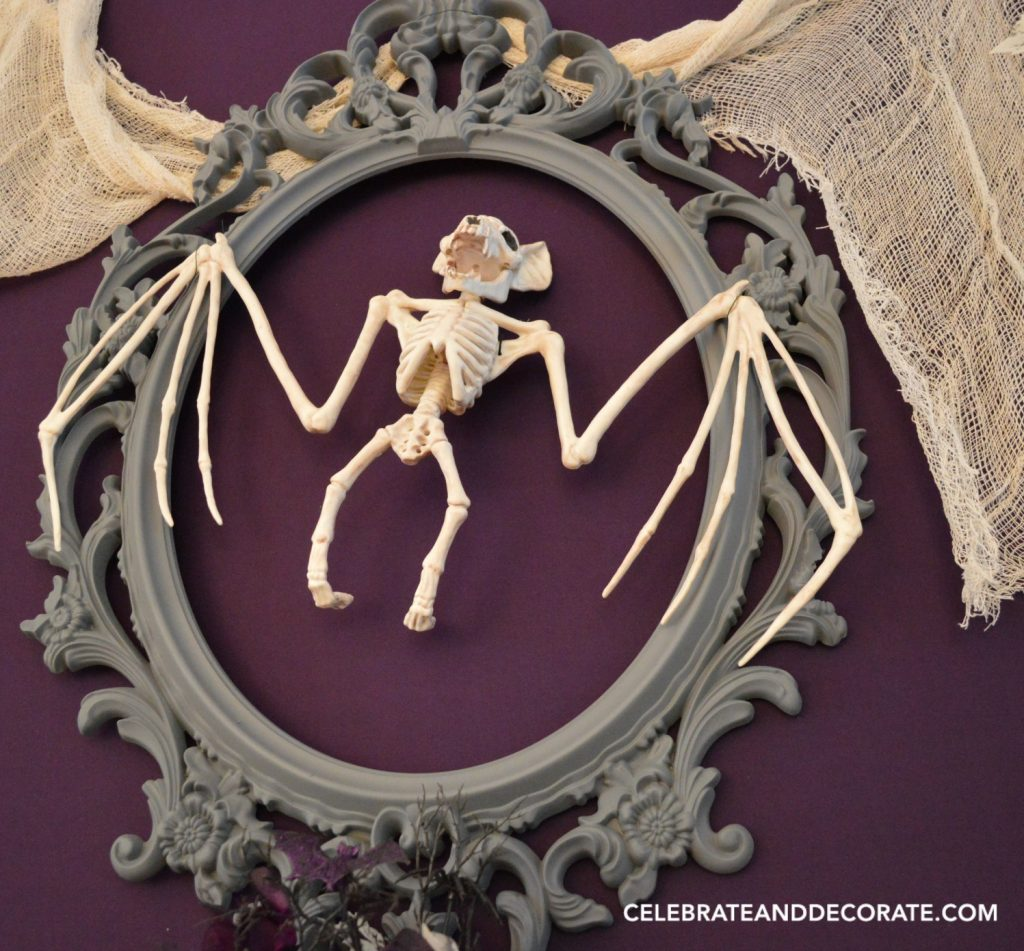 creepy-halloween-decorations-with-a-bat-skeleton