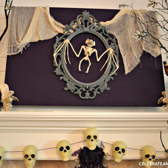 creepy-halloween-mantel