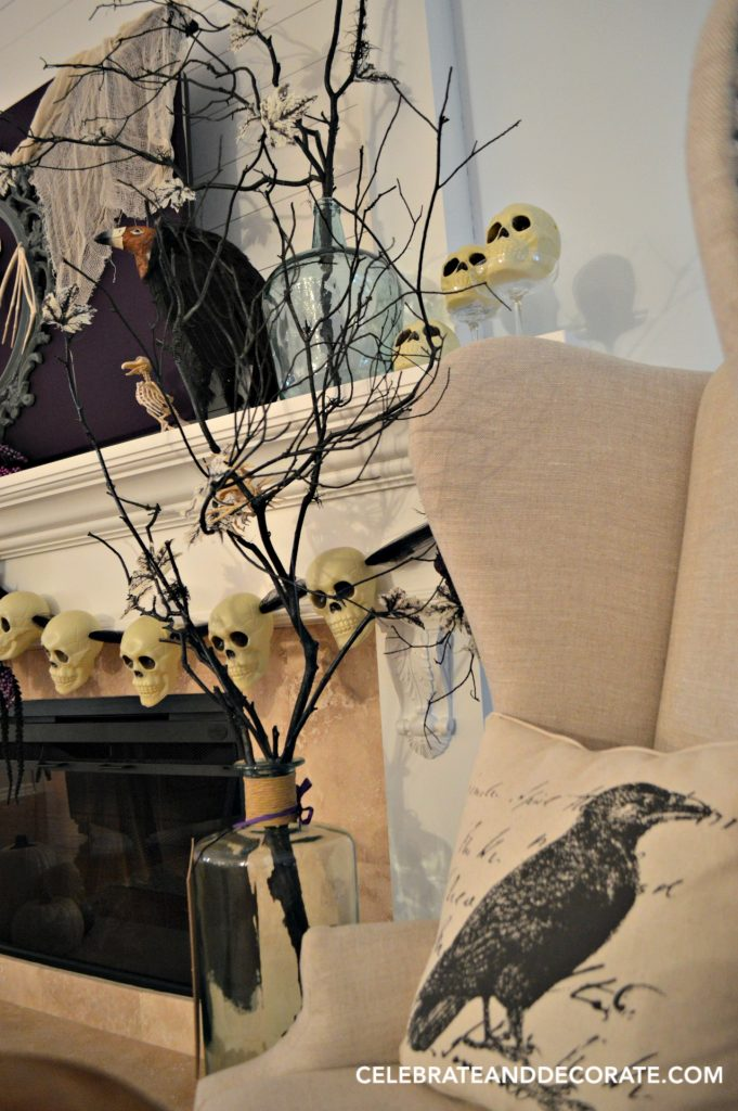 creepy-halloween-decor-for-your-mantel