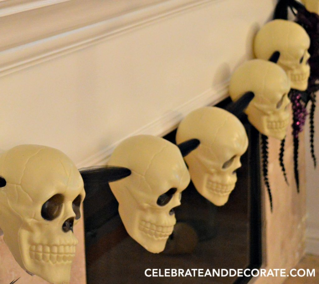 diy-halloween-skull-garland