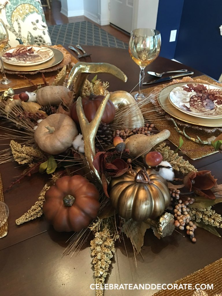 golden-fall-centerpiece-for-a-golden-tablescape
