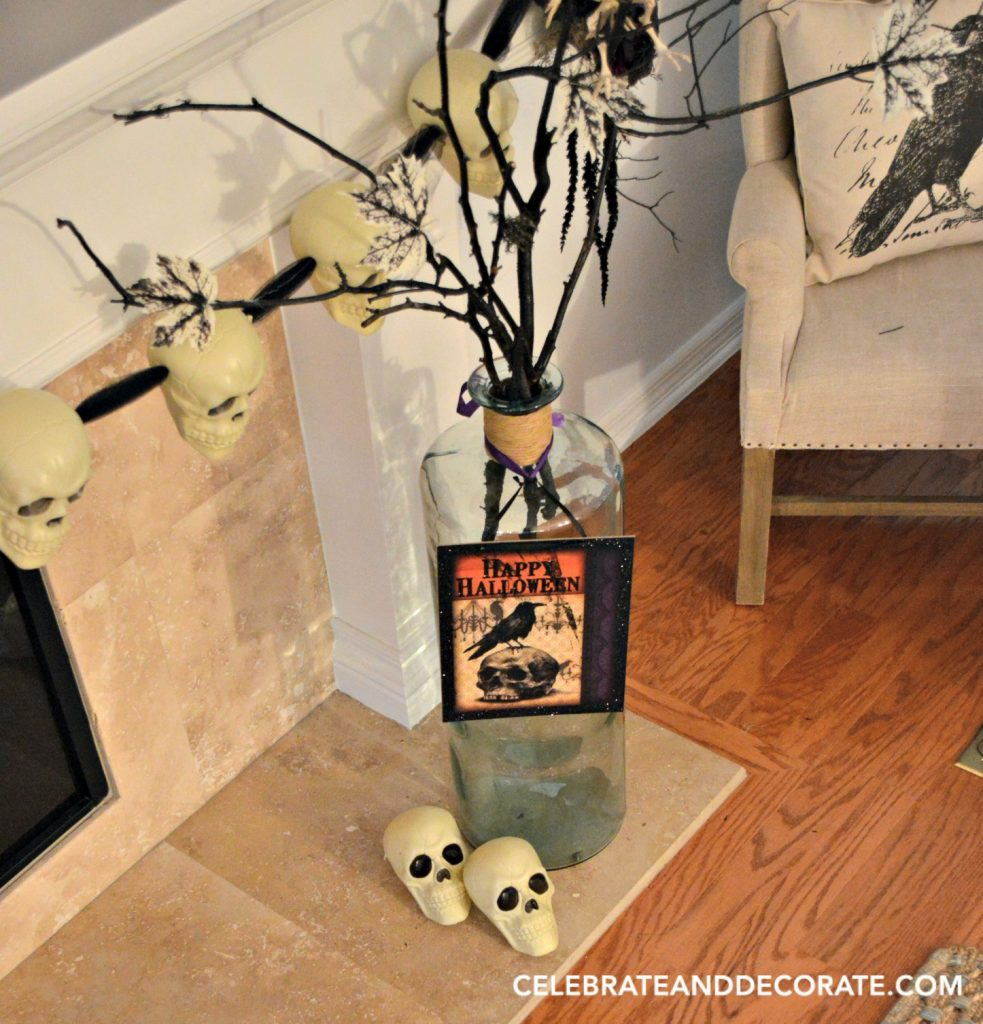 halloween-decorations-for-your-mantel