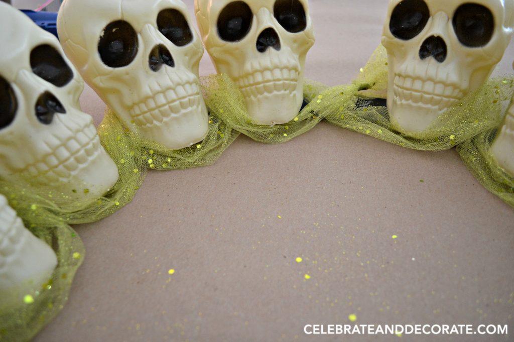 creepy-halloween-wreath-of-skulls