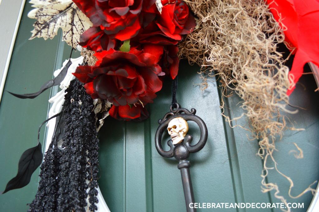 diy-elegant-halloween-wreath