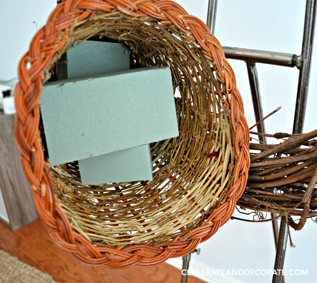 making-your-own-fall-wreath-with-a-cornucopia