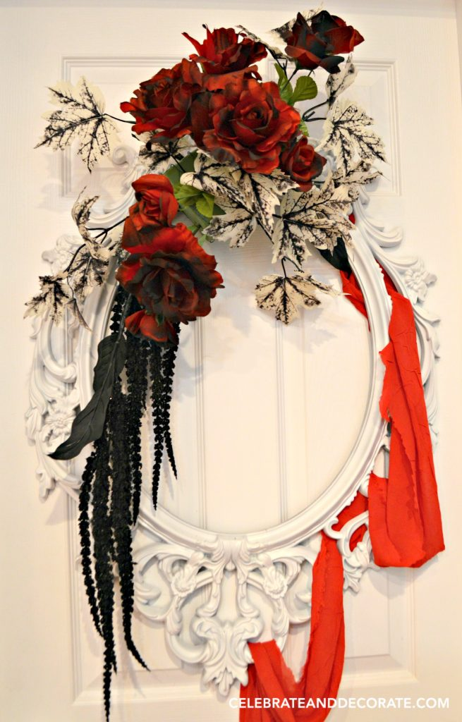 red-and-black-creepy-halloween-wreath